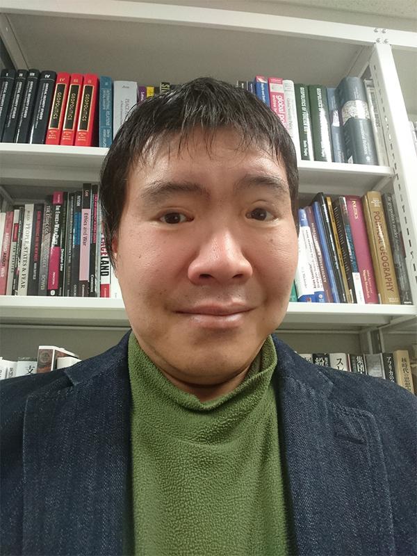 青山学院大学<br>地球社会共生学部教授 <br> 高橋 良輔 [Ryosuke Takahashi]